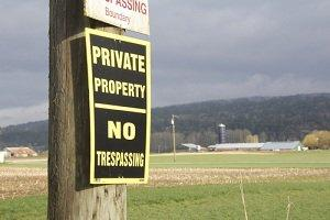 Illinois no trespassing sign, Arlington Heights criminal lawyer
